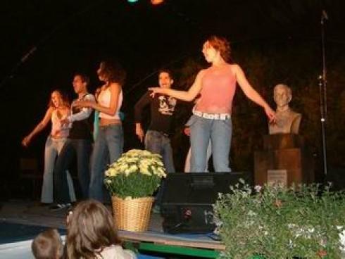 Dave - Hangszobrászat – ahol együtt a profi ének és tánc