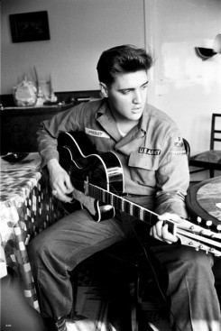 Elvis Presley - Ma lenne 72 éves Elvis Presley