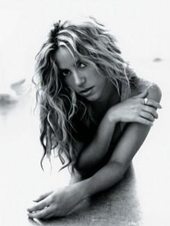 Grammy - Shakira és Wyclef Jean közös fellépése a Grammyn