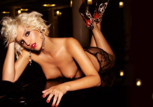 Galambos Dorina - Galambos Dorina levetkőzött a Playboynak