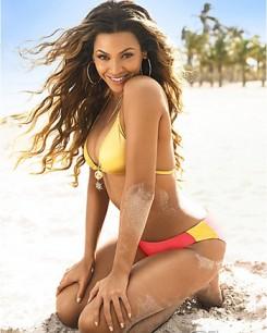 Beyonce - Bikiniben pózol Beyoncé Knowles