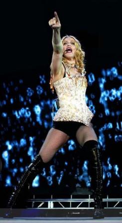 Madonna - Kés/Alá fekszik Madonna