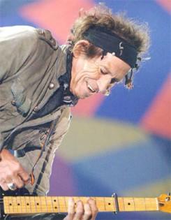 Rolling Stones - Mégsem szívta el édesapja hamvait Keith Richards