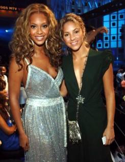 Beyonce - Letarolta az angol listát Beyoncé és Shakira