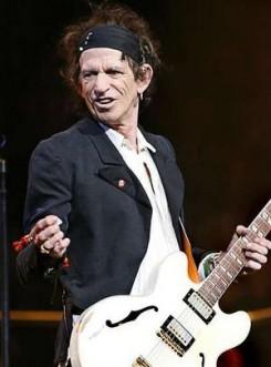 Rolling Stones - Önéletrajzi könyvet ad ki Keith Richards?