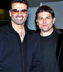 George Michael - George Michael hozzámegy homoszexuális párjához
