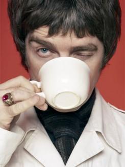 Oasis - Tony Blair féltette rezidenciáját az Oasis-sztár látogatásától