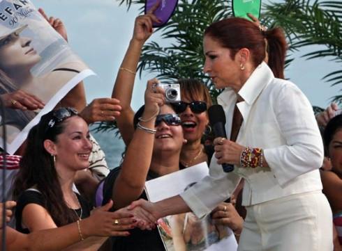 Gloria Estefan - GLORIA ESTEFAN: 90 Millas (Sony Bmg)