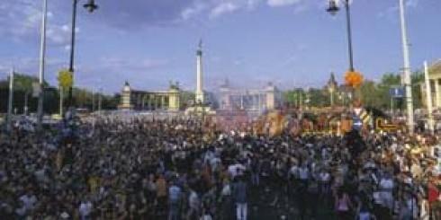 Budapest Parádé - Egy parádésnak ígérkező záróakkord a nyár végére
