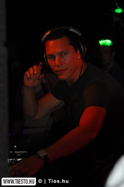 DJ Tiesto - Tiesto's Club Life az éter hullámain