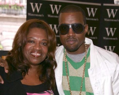 Kanye West - Kanye West összeomlott a színpadon Párizsban
