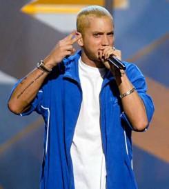 Eminem - Eminem íróként folytatja