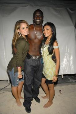Akon - Szex, drog: Akon mindent kitálal