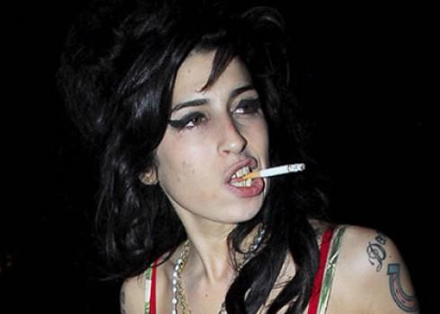 Amy Winehouse - Amy Winehouse tüdőtágulásban szenved