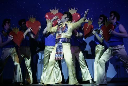 Gáspár Laci - Színházi szerepben Gáspár Laci! Az énekes, mint Elvis