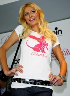 Paris Hilton - Paris Hilton új barátokat keres