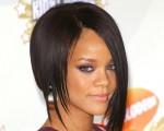 Rihanna - Rihanna tovább feszíti a húrt