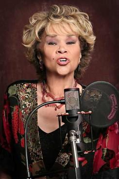 Etta James - Etta James nagy rúgásra készül!
