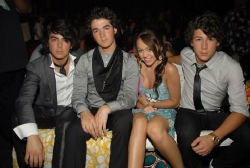 Miley Cyrus - Bombaduettek 2009-ben!
