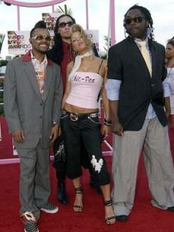 Black Eyed Peas - Jacko dalokat játszott a Black Eyed Peas Londonban