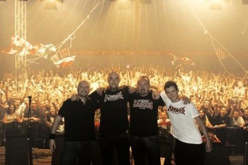 Hungarica - A Hungarica harmadik nagylemeze a MAHASZ lista első helyén!