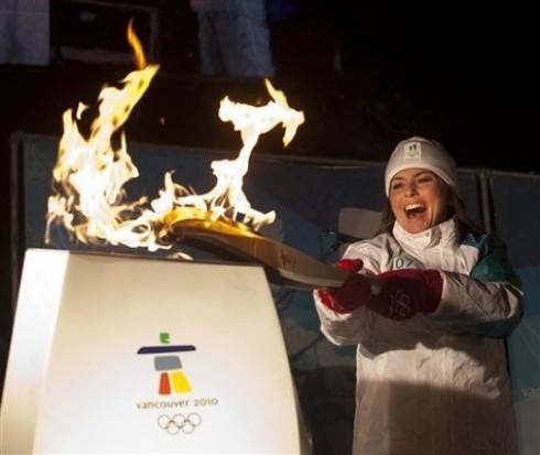 Shania Twain - Shania Twain vitte az olimpiai lángot