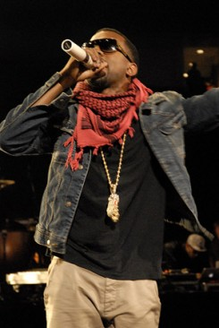 Kanye West - Hajléktalanoknak segített Kanye West