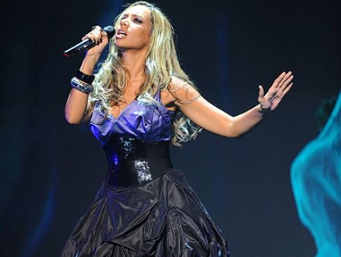 Leona Lewis - Robbie Williamsszel duettezne Leona Lewis