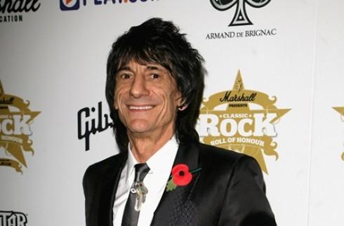 Rolling Stones - Ronnie Wood szólókarrierbe kezd