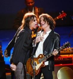Aerosmith - Merénylet Tyler ellen – női énekest akar az Aerosmith?