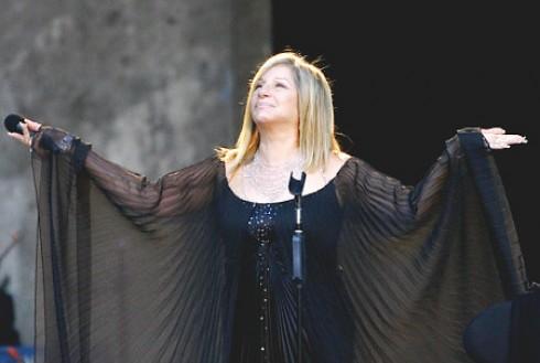 Barbra Streisand - 20 milliárdos üzletet kötött Barbra Streisand