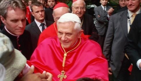 XVI. Benedek Pápa - XVI. Benedek Pápa rocker?