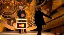 Oasis - Eladó az Oasis BRIT Award-ja!