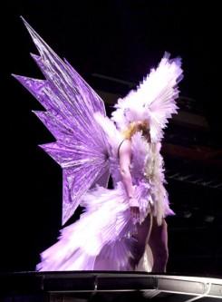 Lady GaGa - Lady Gaga 3D-s koncertet szeretne