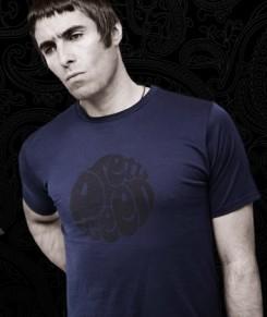 Oasis - A volt OASIS tag tényleg divatguru akar lenni