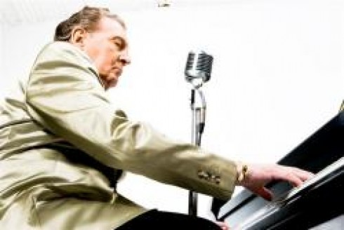 """Jerry Lee Lewis - Jerry Lee Lewis- a """"gyilkos"""" Budapesten szedi áldozatait"""