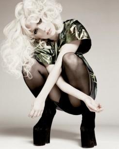 Lady GaGa - Lady Gaga új klipjében félmeztelen pasik szerepelnek