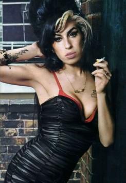 Amy Winehouse - 2011 januárjában jön Amy Winehouse visszatérő albuma