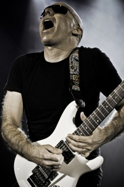 Joe Satriani - A gitár félisten Budapestre jön