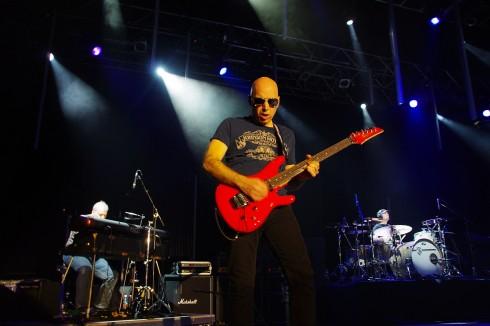 Joe Satriani - Joe Satriani Budapesten zúzott