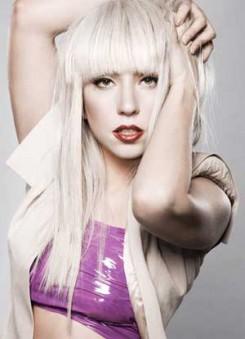 Lady GaGa - Lady Gaga megette a Mikulást