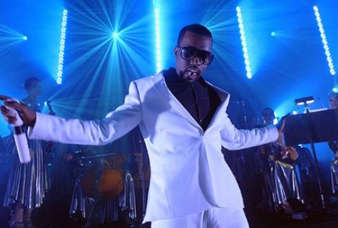 Kanye West - Sztárparádé Kanye West legújabb dalában