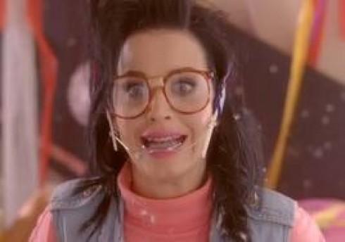 Katy Perry - Katy Perry beállította Michael Jackson rekordját!