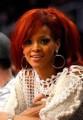 Rihanna - Rihanna egy vagyont költ a hajára