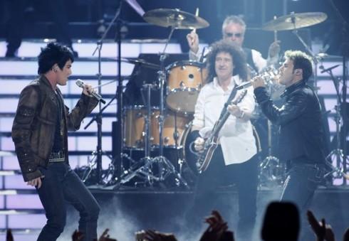 Queen - Hivatalos: Adam Lamberttel turnézik a Queen