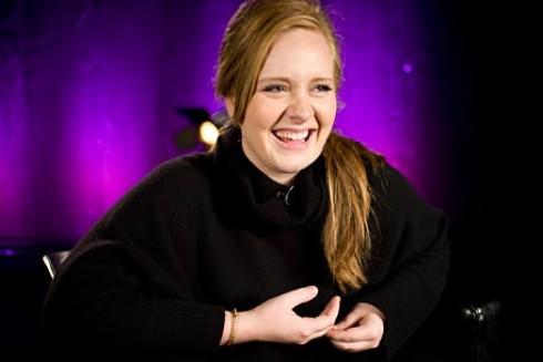 Adele - Adele babát vár