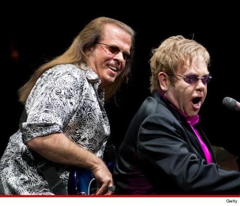 Elton John - Öngyilkos lett Elton John zenész kollégája