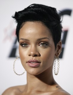 Rihanna - Rihanna mindenhonnan