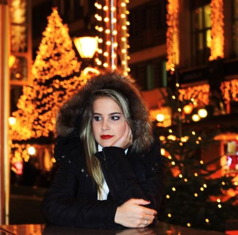 Avril Lavigne - Vass Veronika új színekbe öltözteti a karácsonyt!