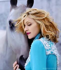 Madonna - Madonna sokkolni szeretne